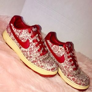 Nike Amor Limited Edition Sneakers